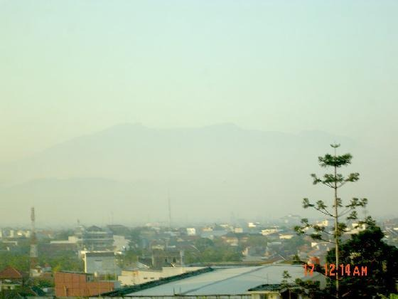 large_Tankubanpe.._of_Bandung.jpg