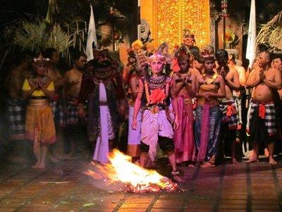 Kecak_and_fire_dance.jpg