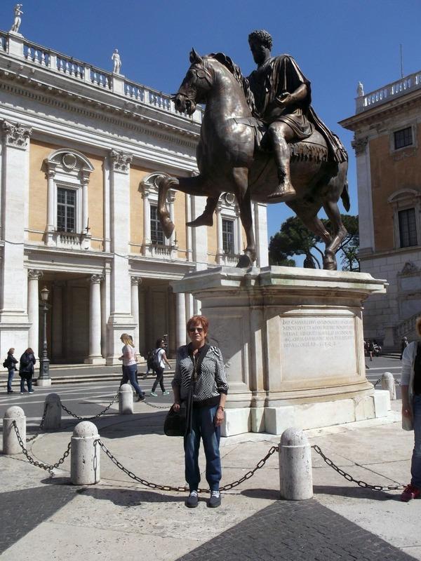 Replica statue of Emperor Marcus Auralius (AD 175)