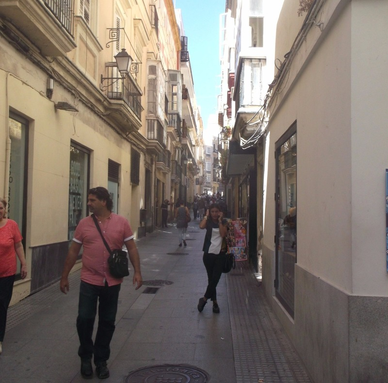 typical old Cadiz narrow winding alleys