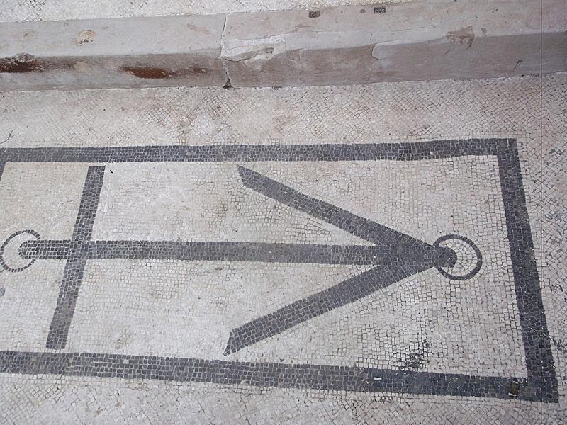 doorstep mosaic anchor (dun roamin?)
