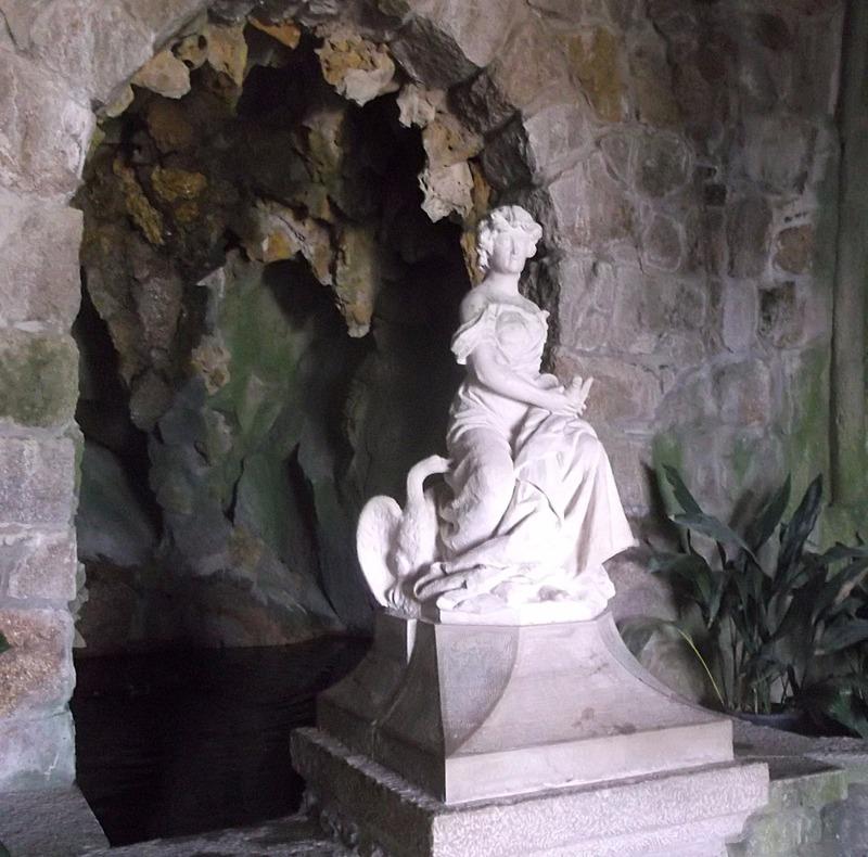 in Leda´s Cave
