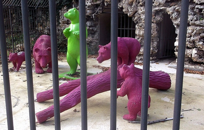 two species of bears (green and lilac)
