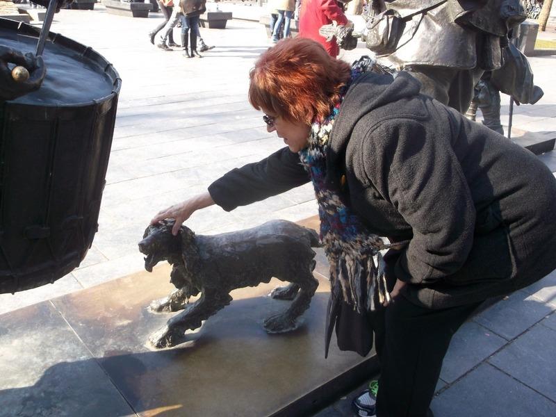 patting Rembrandtś dog.