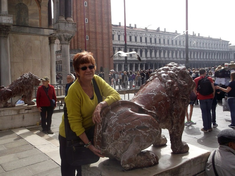 checking the lion´s prostate