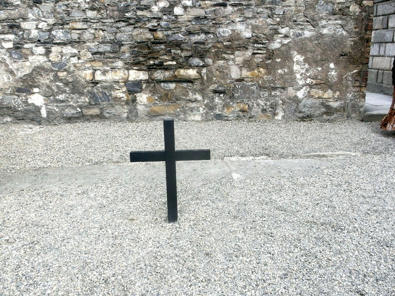 Cross marks the execution place