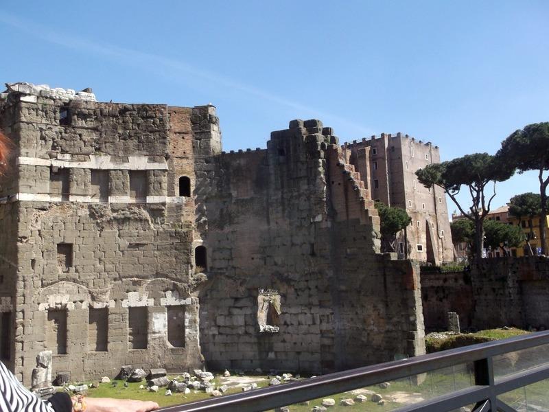 More Forum ruins (2nd century BC)