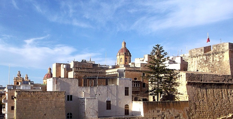looking across the fortified city of Il-Birgu