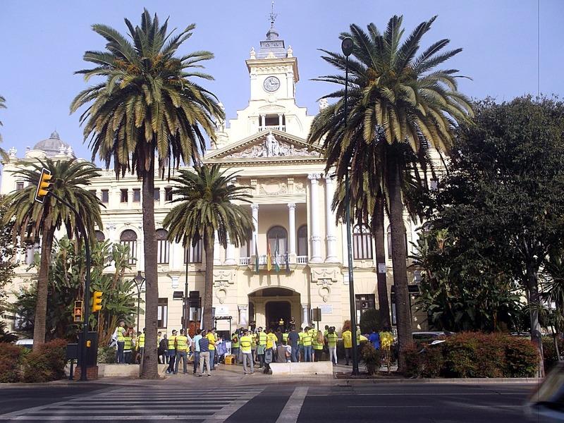 Town Hall demonstrators making a racket