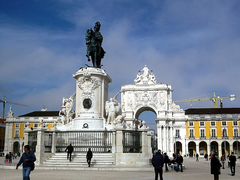 with it´s central statue of King Jose 1