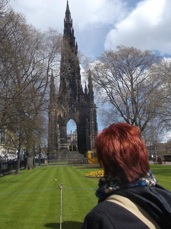 walked down to Walter Scott memorial