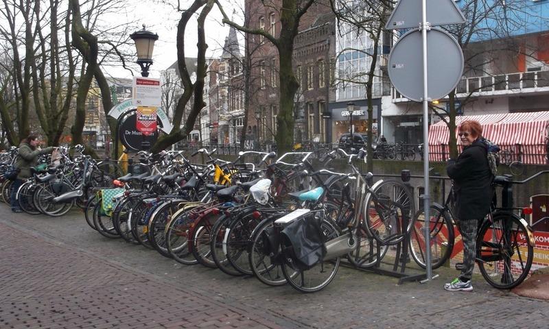 Everybody rides bikes, even me...