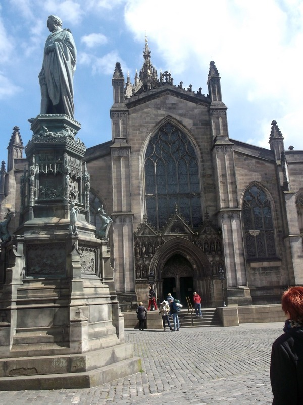 past St Giles Cathedral