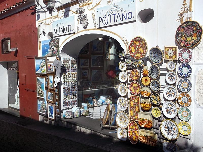 selling lots of Maiolika glazed pottery