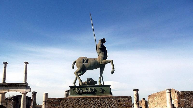Statue 11