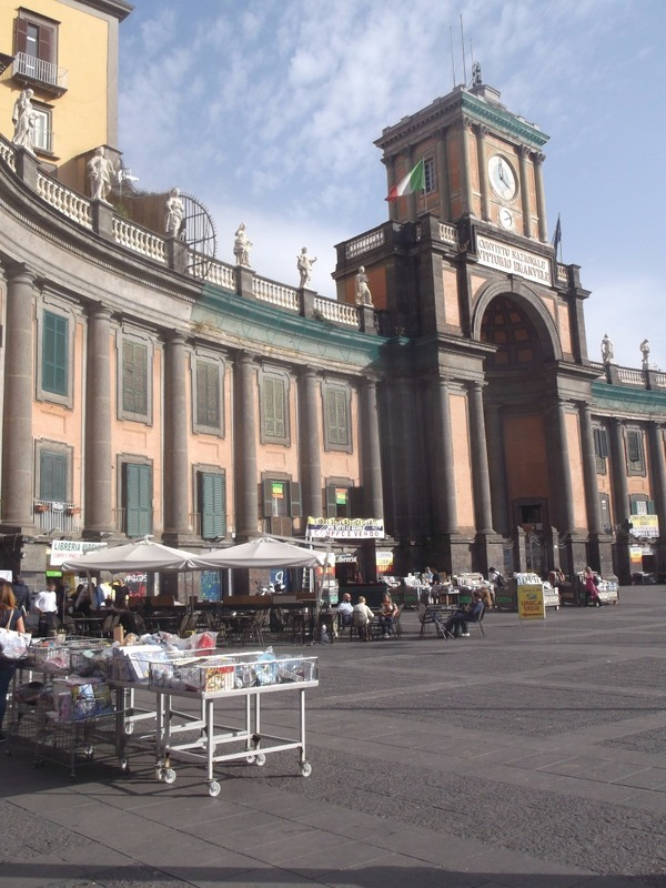 Piazza Dante filled with booksellers