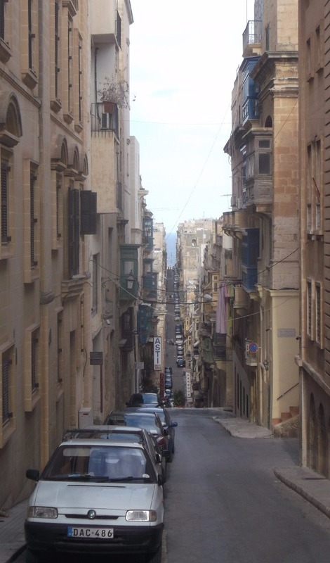 a one km street running the length of Valletta
