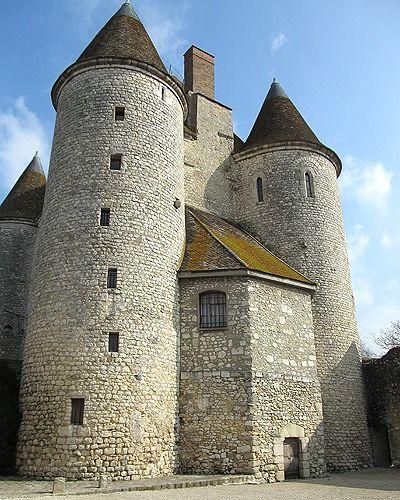 Chateau Donjon, Nemours, France 2016 - Nemours