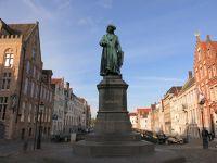 Jan Van Eyckplein: An Artist's Point