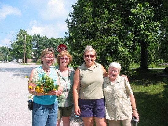 The ladies and bouquet, portrait