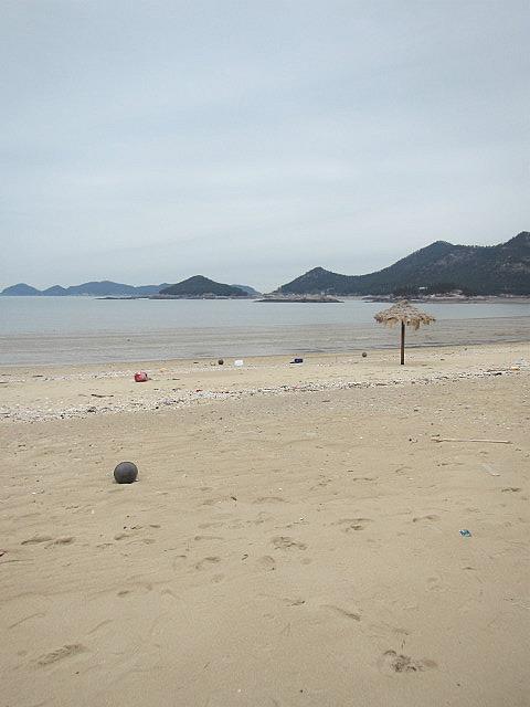 Tiki hut on Seonyudo beach