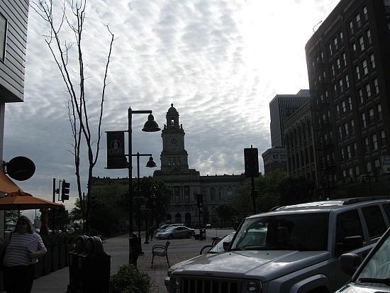 Des Moines court house