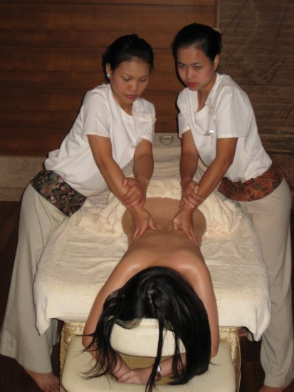 Four-handed massage 2