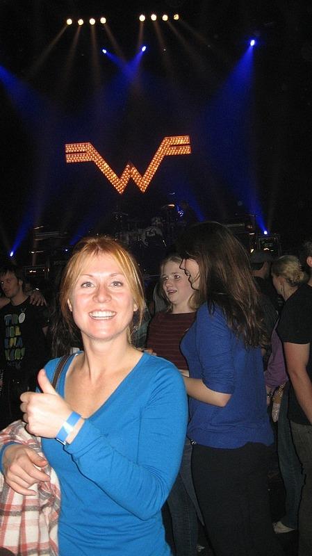 Shylo vs. Weezer light