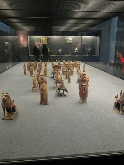 Burial figurines