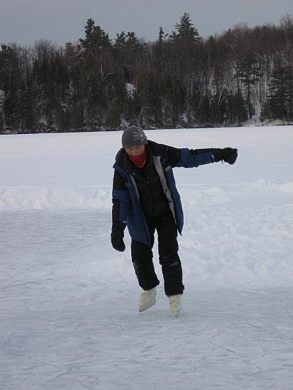 Insuk learning to skate