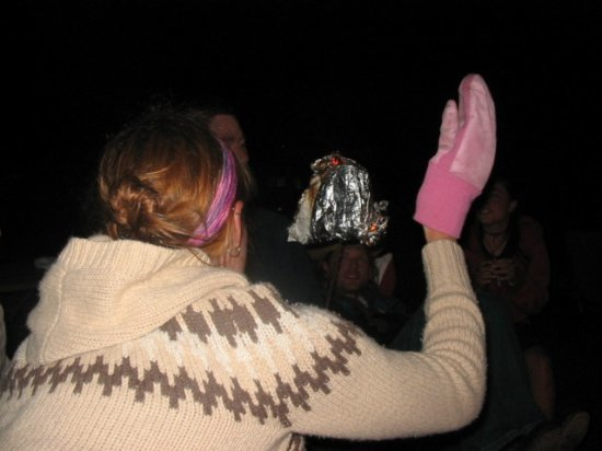 Elly and her mittens, bread on fire