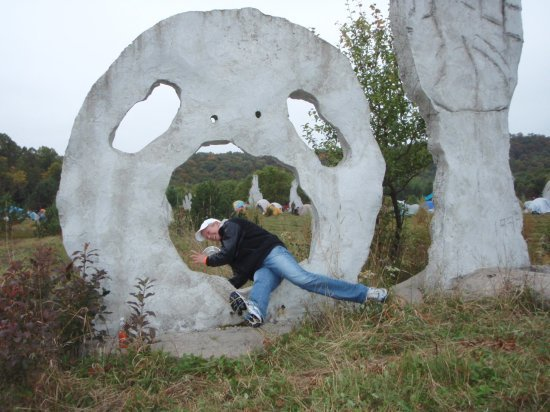 Jamie vs. sculpture 2