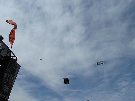 Flying ads