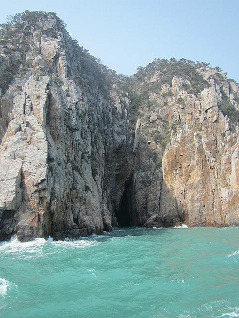 Hongdo island boat tour