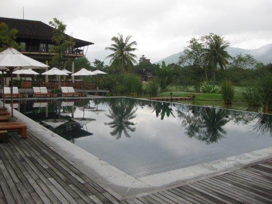 Kirimaya pool 2