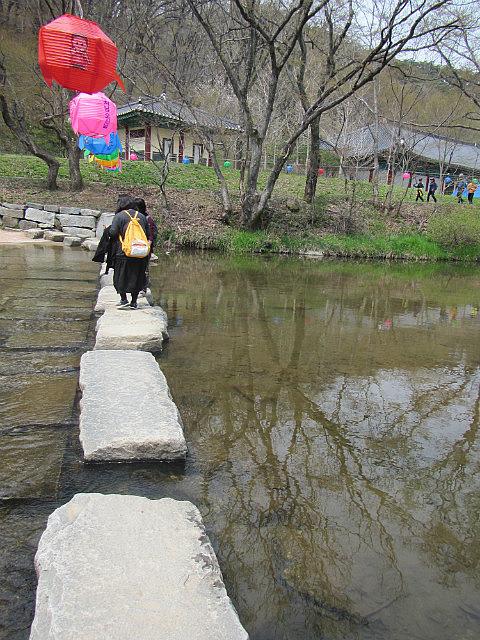 Magok temple Mind washing bridge