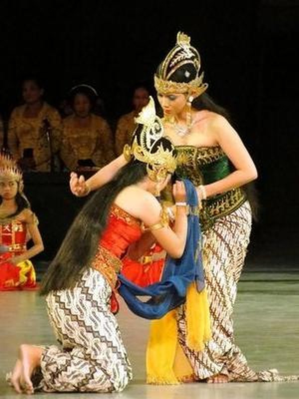 S00681 Ramayana episode 4 - Trijata begs Shinta