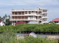Alue Deah Teungah Escape Building