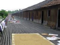 Saham Long House