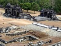 Kraton Ratu Boko, double gate