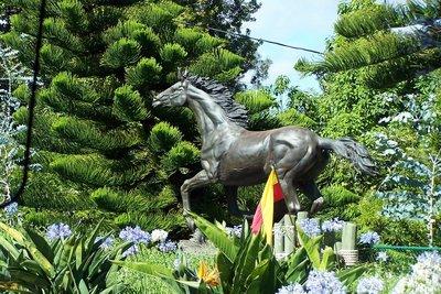 Sculpture in Tom Cruise's garden
