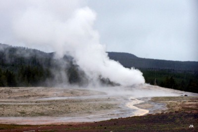 J's photo of Old Faithful