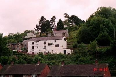 Inn along the road near the canal