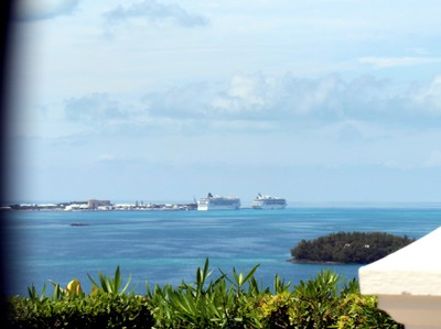 Cruise ships from Gibbs lighthouse