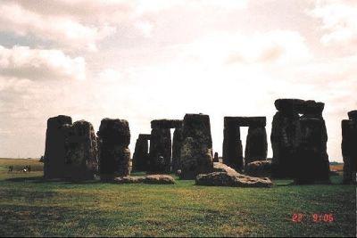 2042510-1406_Stonehenge.jpg