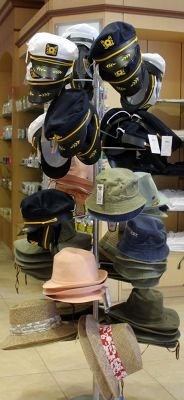 206172987740476-Hats_for_sal..Grand_Turk.jpg