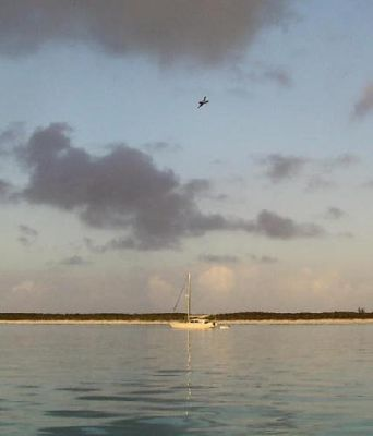26371787812344-Another_boat_..ormans_Cay.jpg