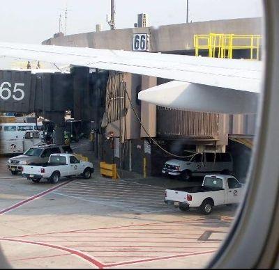 3535294-photo_from_inside_the_plane_Newark.jpg