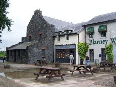 3535601-Another_view_Bunratty.jpg