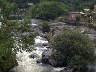 4447174-River_Dee_Llangollen.jpg